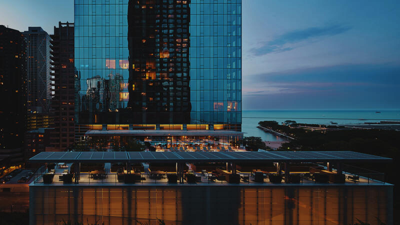 Chicago highrise building with Lake Michigan in the background